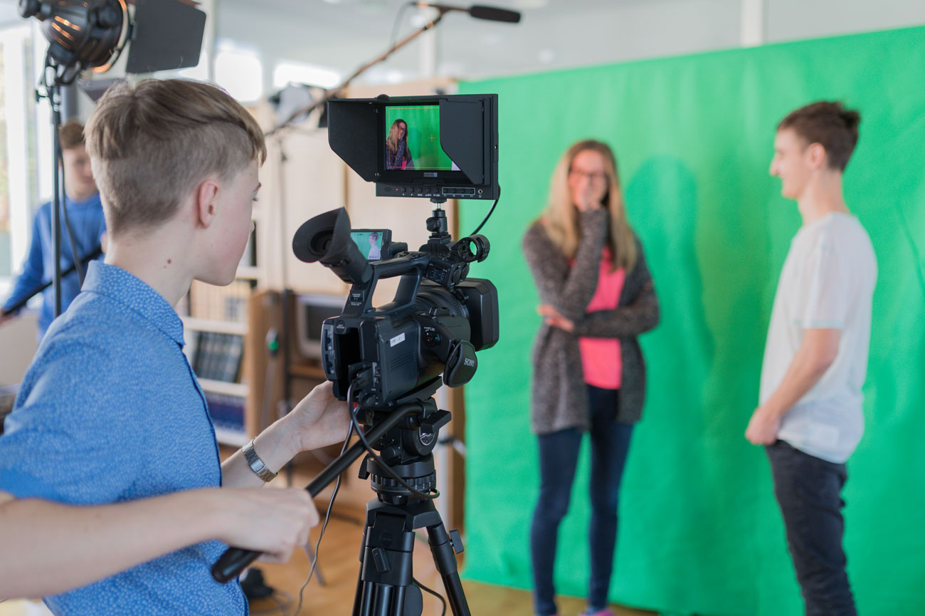 Mediendesign: Videodreh vor einer Greenbox